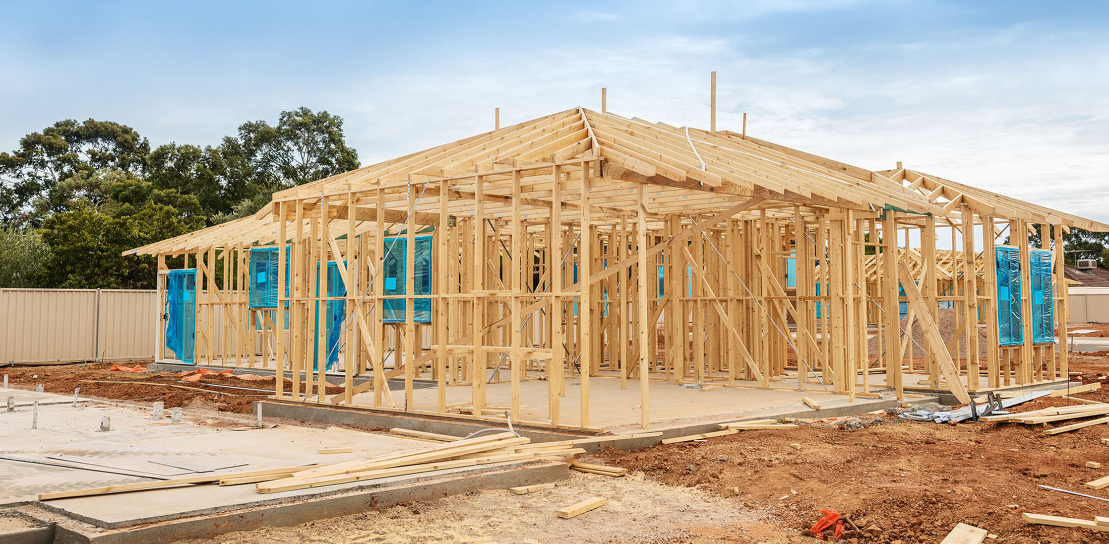 House frame in construction | Featured image for CPC40110 Certificate IV in Building and Construction.