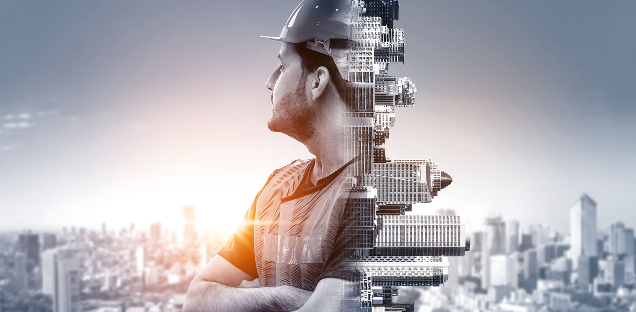 Image of tradesmen looking at city skyline | Featured image CPC60212 Advanced Diploma of Building and Construction.